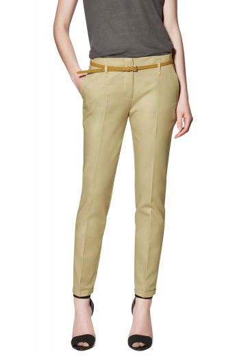 These must buy stylish womens tailor made camel pants in Egyptian cotton are exciting slim cut formals that you can wear to work. With a stunning flat front that's adorned with slash pockets on the sides, these womens bespoke suit pant can be paired with womens handmade slim fit shirts and womens made to order jackets for a trendy look. These made to measure cotton pants for women have standard belt loops with a front button and hook closure and a zipper fly. Try them on to experience day long comfort and grace like never before.