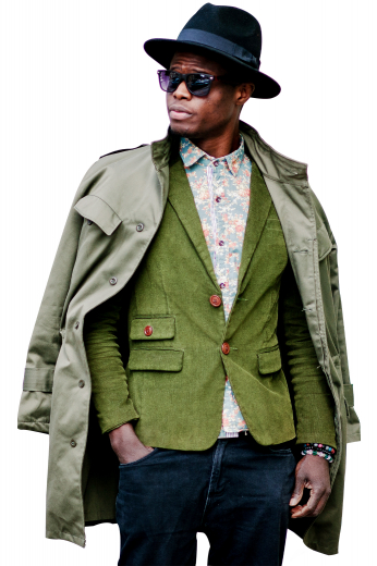 These men's green blazer are tailor made in a fine wool and tweed and cut to a slim fit, featuring single breasted button closure and notch lapels. It is a fantastic formal wardrobe staple!