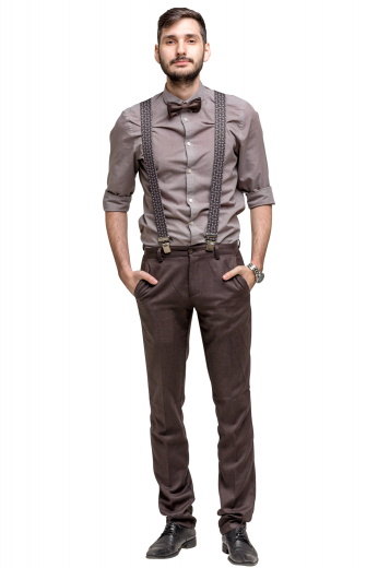 This men's brown pant is tailor made in a fine wool blend and cut to a slim fit, featuring slash pockets, extended belt loops, and a flat front pleat. It is a fashionable option that can be dressed up or down for any occasion!