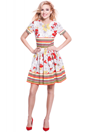 This women's retro inspired dress is perfect for the eccentric gal. It features short sleeves and a round neck, hitting just at the knee with a concealed zipper on the back.