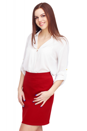 This classic women's blouse is perfect for both casual and formal looks, tailor made with a relaxed ainsley style collar and rounded barrel cufs.