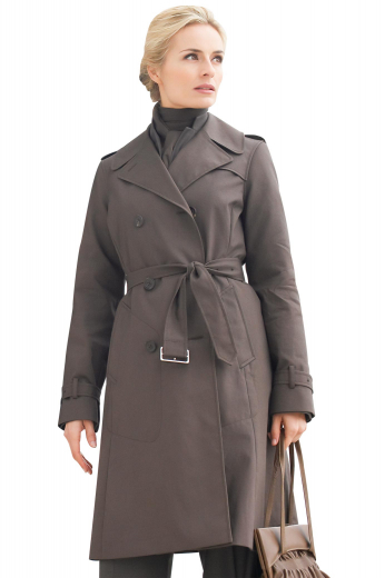 This custom made knee length coat is perfect for formal dinners. Mirroring the classic trench coat but adding an extra layer of sophistication, this made to measure coat features a three-button closure in a double breasted style, along with an attached belt and buttoned epaulettes on each cuff.