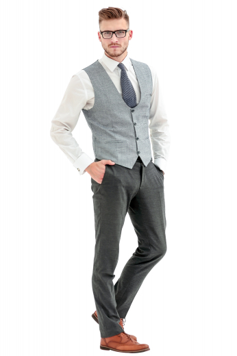 This men's heathered grey pant is tailor made in a fine wool blend and cut to a slim fit, featuring slash pockets, extended belt loops, and a flat front pleat. It is a classic option for any office or special occasion.